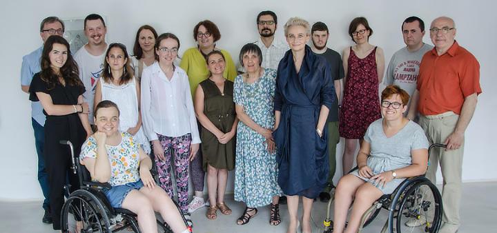 Zdjęcie zespołu pracowników Galerii Apteka Sztuki