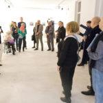 Zdjęcie z wernisażu wystawy Ilu-stacje Aleksandry Greli