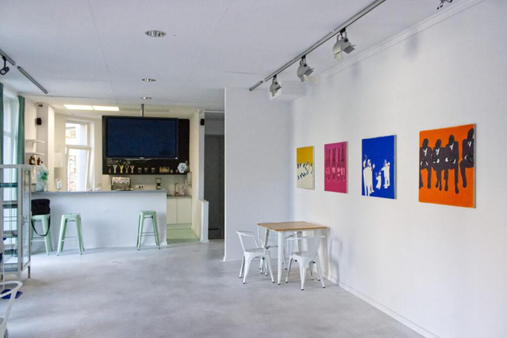 Zdjęcie sali z wystawy Synchronizacja Iwony Kobryń
